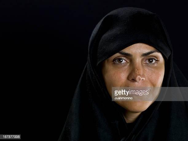 中東で微笑む女性彼女のフォーティーズ - ペルシア文化 ストックフォトと画像
