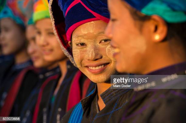 Smiling Pao girls at Kaku's pagoda festival