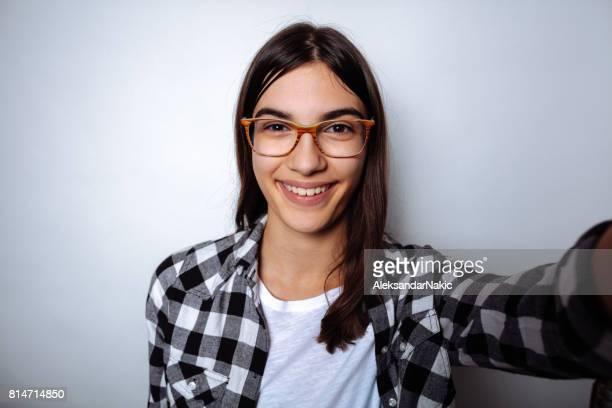 lachende selfie - 14 15 jaar stockfoto's en -beelden
