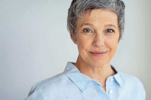 Smiling senior woman 1044150186