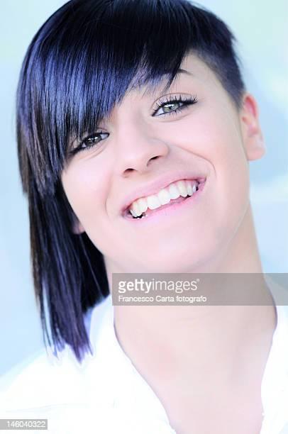 smiling teenager - tempio pausania stock-fotos und bilder