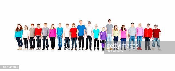 Lächelnd Teenager stehen gegen Weiß