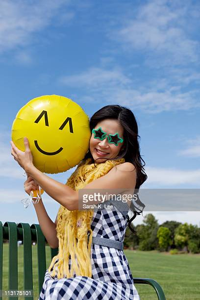 smiley face balloon ストックフォトと画像 getty images