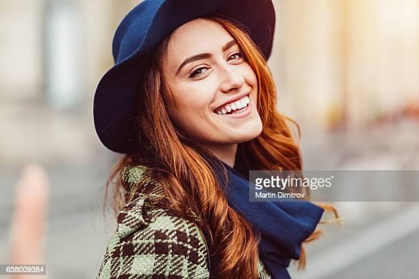 portrait de femme souriant