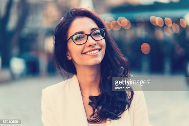 smiling woman's portrait - beautiful woman stock pictures, royalty-free photos & images