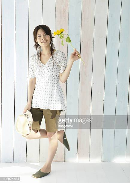 smiling young woman - one young woman only stock pictures, royalty-free photos & images