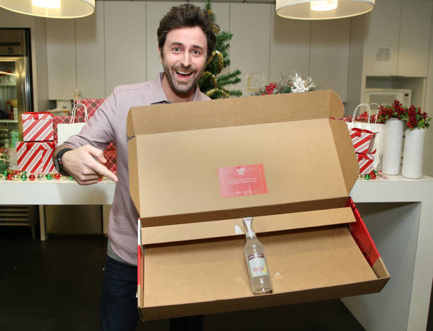 CA: Beau Clark Celebrates The Holidays With New Smirnoff Ice x Cremsiffino Gift Boxes