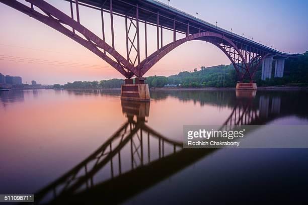 Smith Ave Bridge at dawn