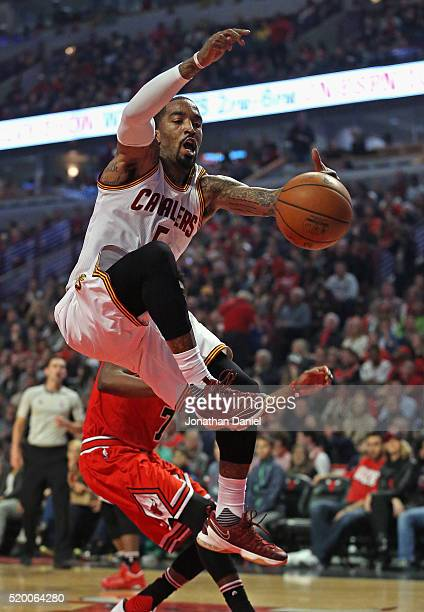 R Smith of the Cleveland Cavaliers looses control of the ball against the Chicago Bulls at the United Center on April 9 2016 in Chicago Illinois NOTE...