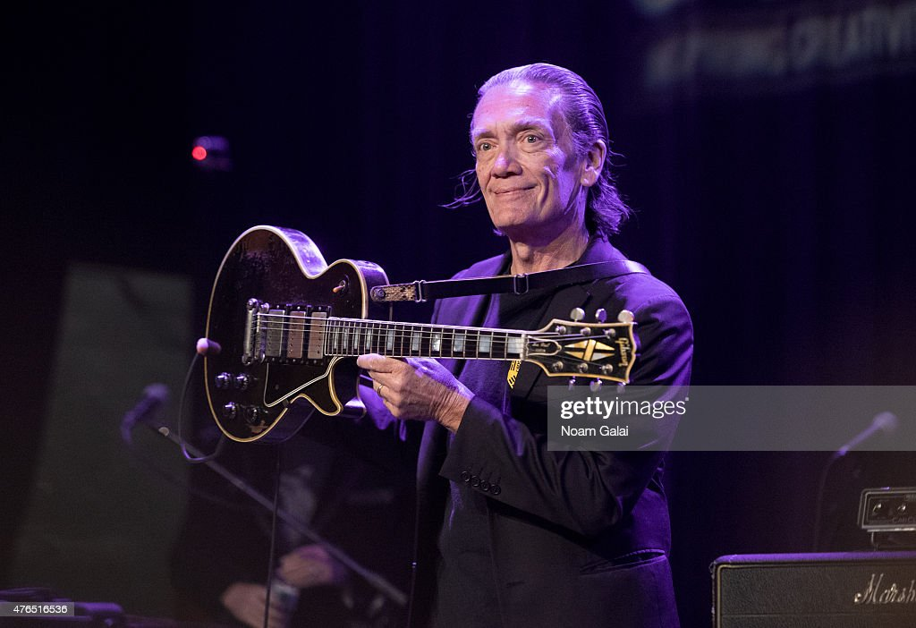 G. E. Smith performs during Les Paul's 100th anniversary celebration at Hard Rock Cafe - Times Square on June 9, 2015 in New York City.