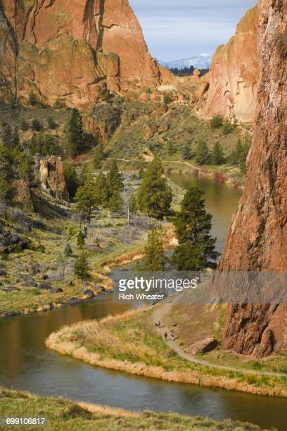 smith rock state park, oregon. - smith rock state park stock pictures, royalty-free photos & images