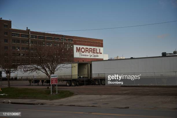A Smithfield Foods Inc plant stands closed in Sioux Falls South Dakota US on Wednesday April 15 2020 South Dakota Governor Kristi Noem has argued...