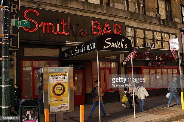 Smith's Bar sits closed near Times Square on November 14 2014 in New York City Smith's was an old dive bar that closed down after 60 years in...
