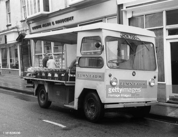 Smiths electric delivery van. Creator: Unknown.