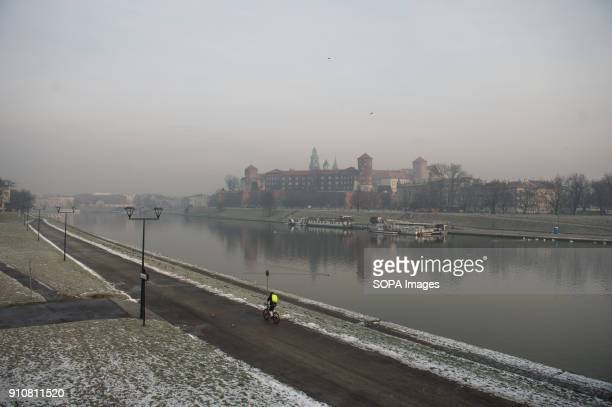 Smog covers Wawel Castle in Krakow Today the PM 10 level is 136 g/m3