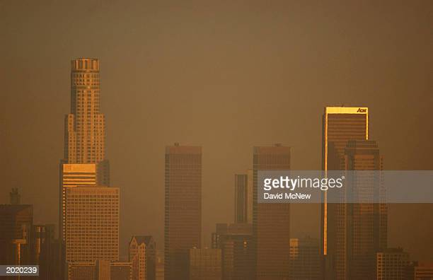 Smog fouls the air on May 21 2003 in Los Angeles California A Census Bureau survey released May 19 reports that about 782 people moved to the Los...