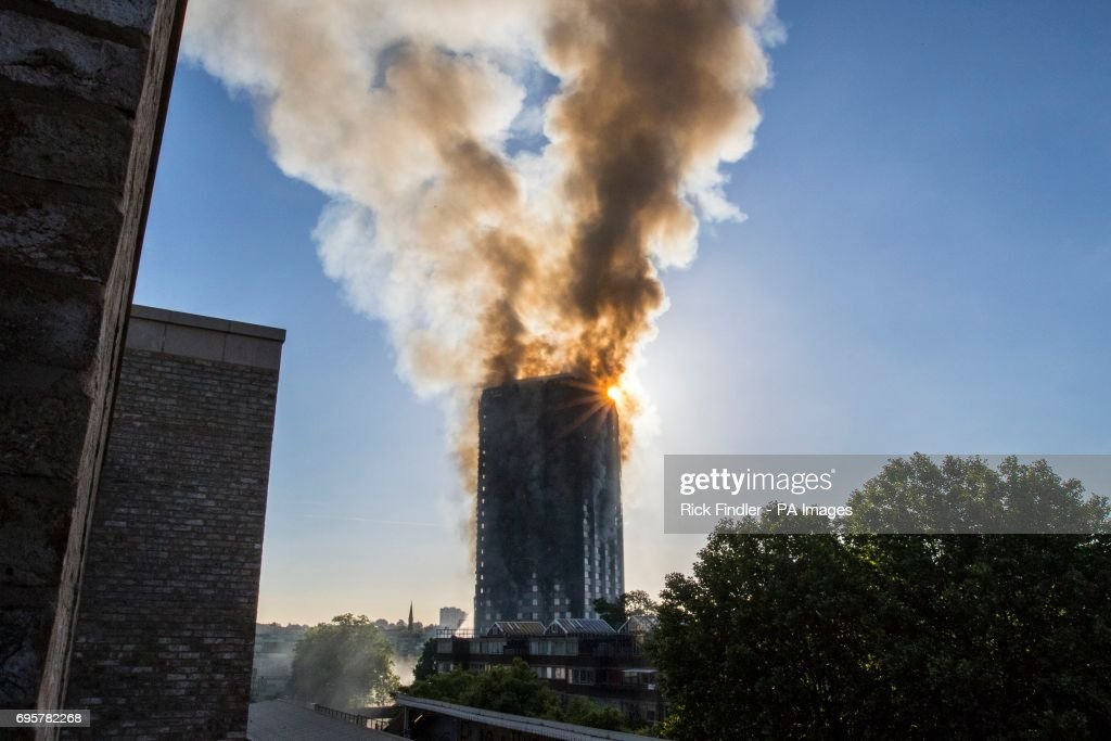 Tower block fire in London : News Photo