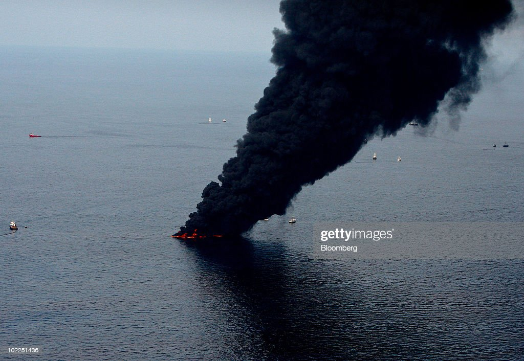 BP Oil Spill Gushing Up To 60,000 Barrels Into Gulf Daily : News Photo
