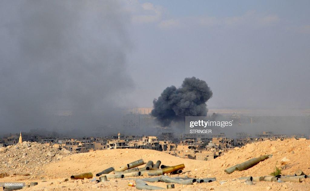 SYRIA-CONFLICT-DEIR EZZOR : Nachrichtenfoto