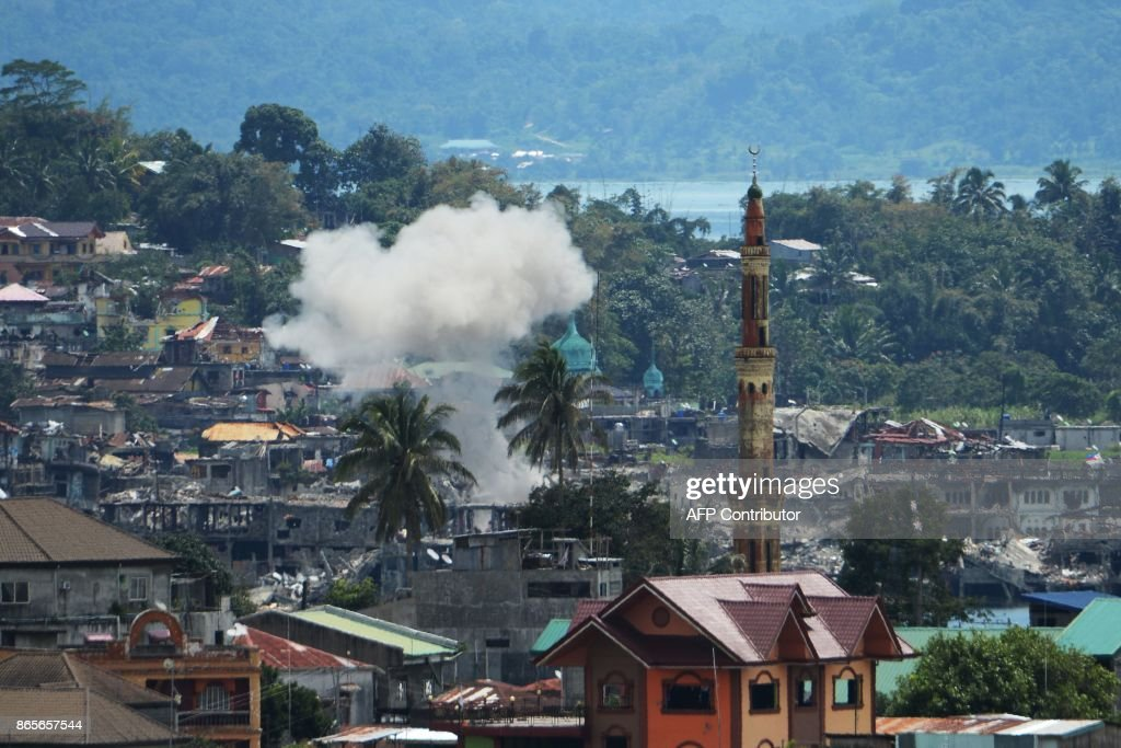 TOPSHOT-PHILIPPINES-UNREST-CONFLICT : News Photo
