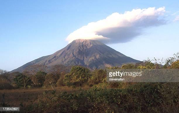vulcão concepción - nicarágua - fotografias e filmes do acervo
