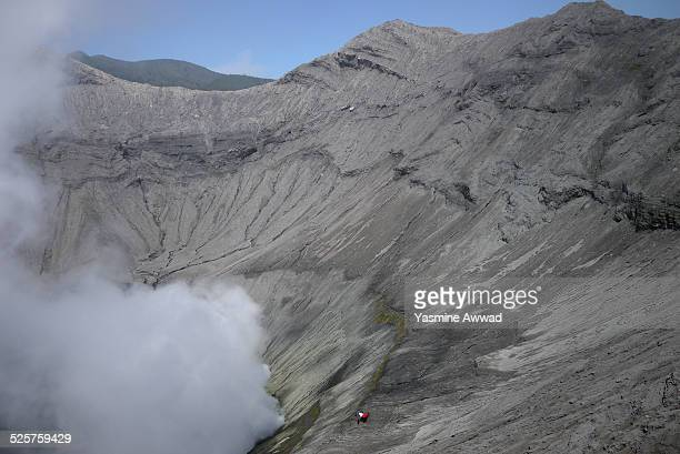 smoke from mount bromo crater - bromo crater stock pictures, royalty-free photos & images