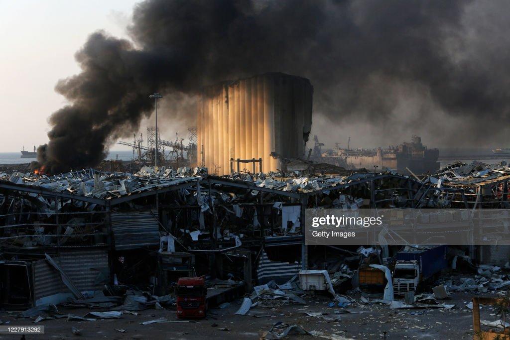 Massive Explosion Near Port Area Of Beirut : ニュース写真