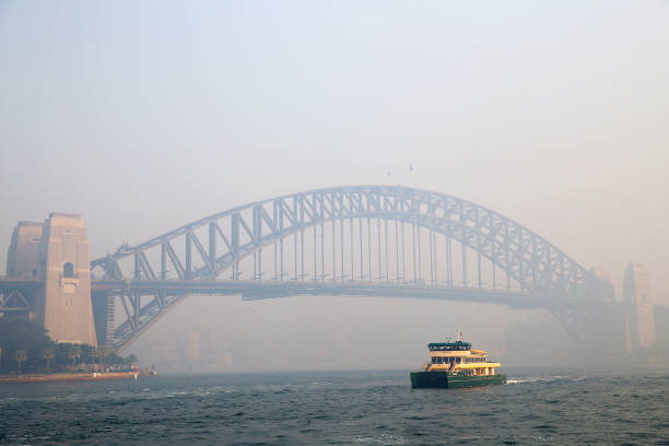 AUS: Sydney Blanketed In Smoke As Bushfires Continue To Burn Across NSW