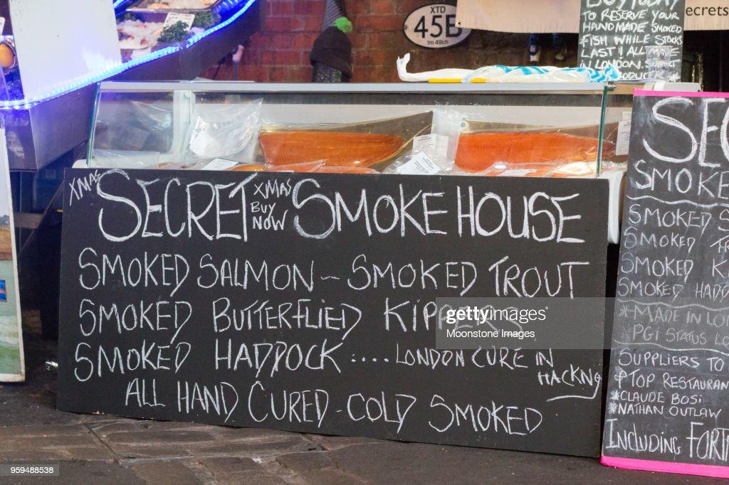 Räucherfisch im Borough Market, London : Stock-Foto