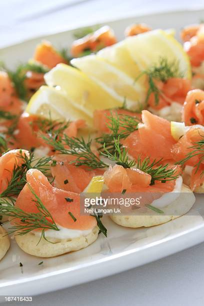 smoked salmon blinis canapes