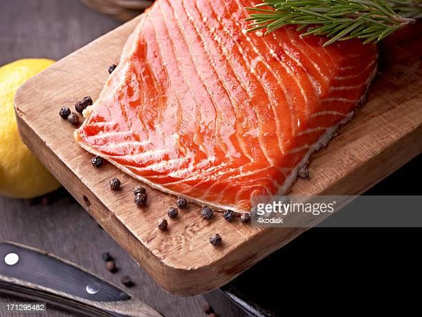salmone affumicato - salmone affumicato foto e immagini stock
