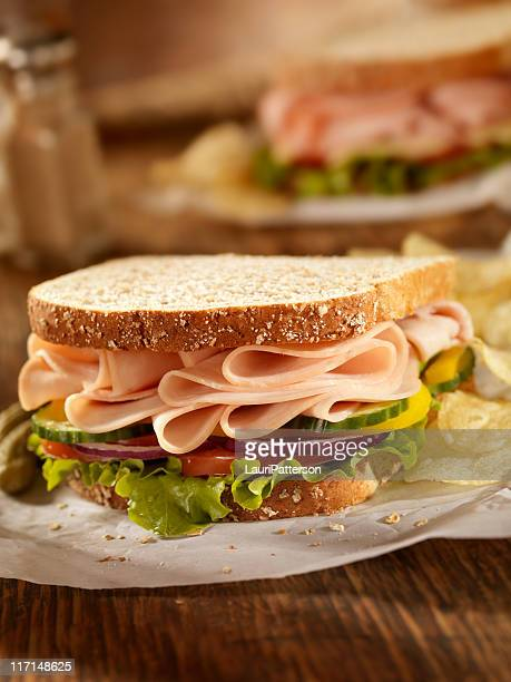 Pavo ahumado sándwich