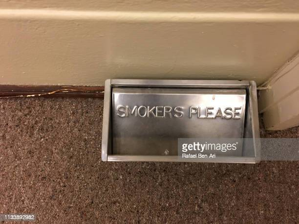 Smoker Please sign on ashtray cigarette box