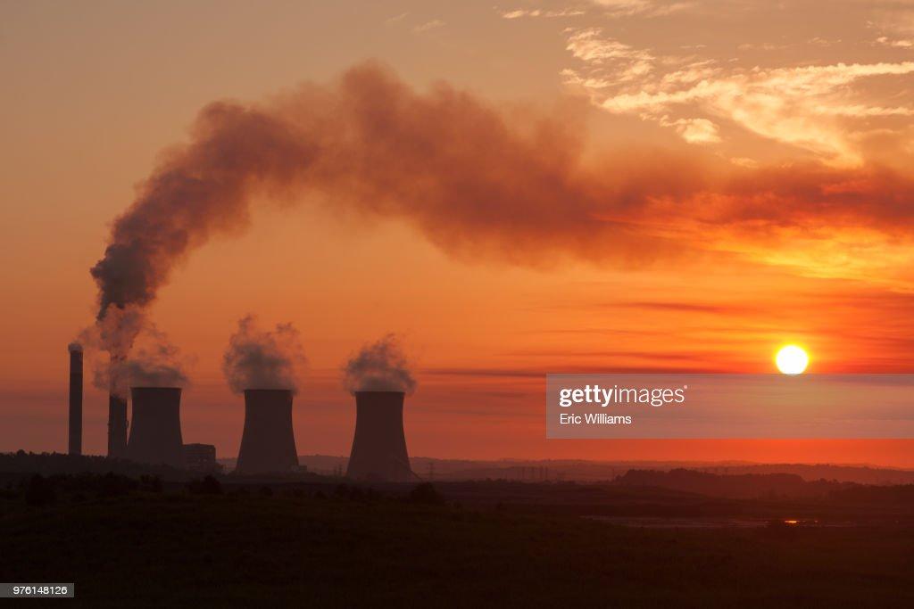 Smokestacks of Paradise Fossil Plant at sunrise, Drakesboro, Kentucky State, USA : Stock Photo