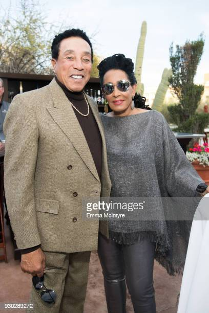 Smokey Robinson and Frances Glandney attends the Celebrity Fight Night's Founders Club Dinner on March 9 2018 in Phoenix Arizona