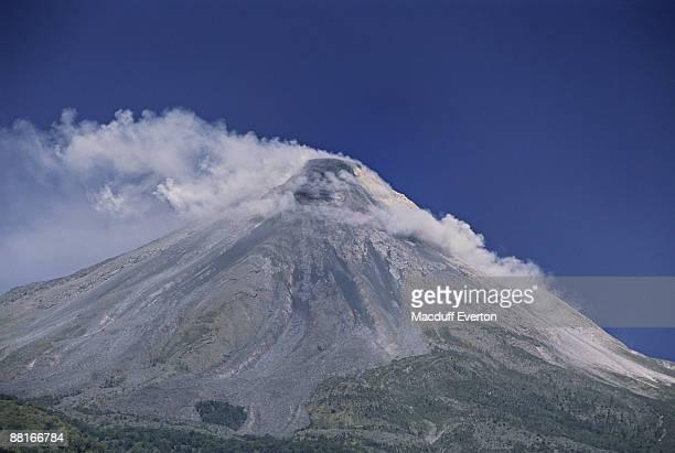 'Smoking Volcan de Fuego , Colima , Mexico'