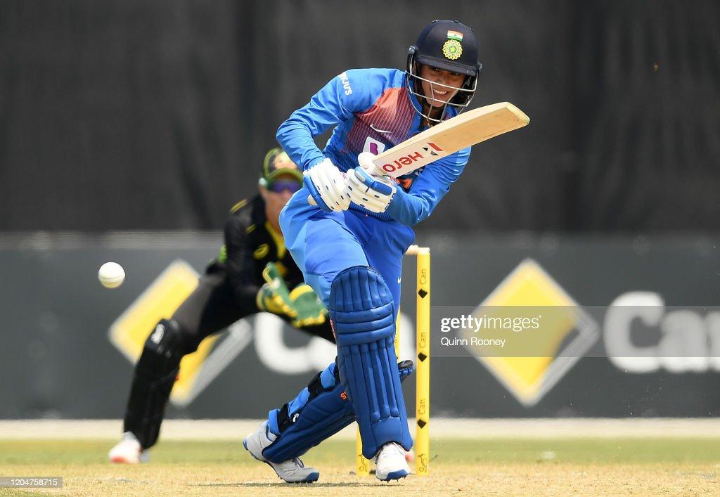 Australia v India - Women's T20 Tri-Series Game 5 : News Photo