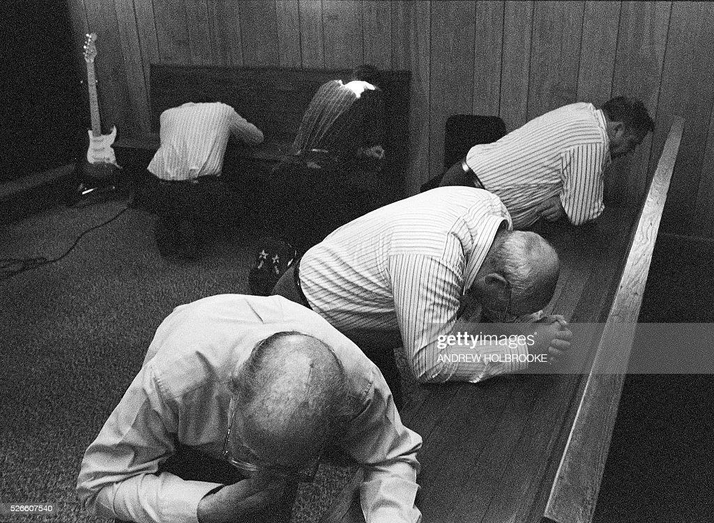 Snake Handlers - Pentecostal Congregation - Church Service : News Photo
