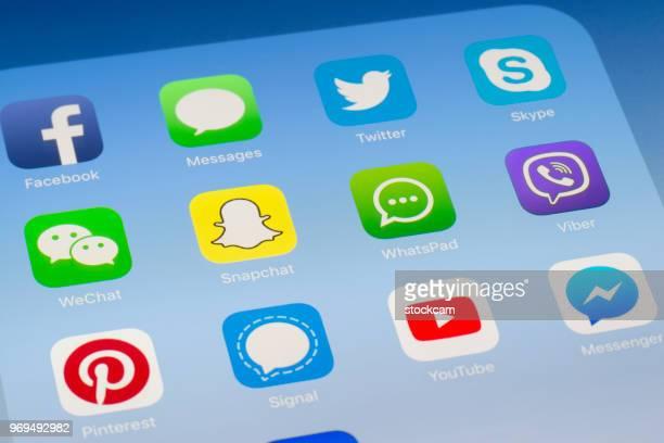 Snapchat, Whatsapp et autres applications de médias sociaux sur l'écran de l'iPad