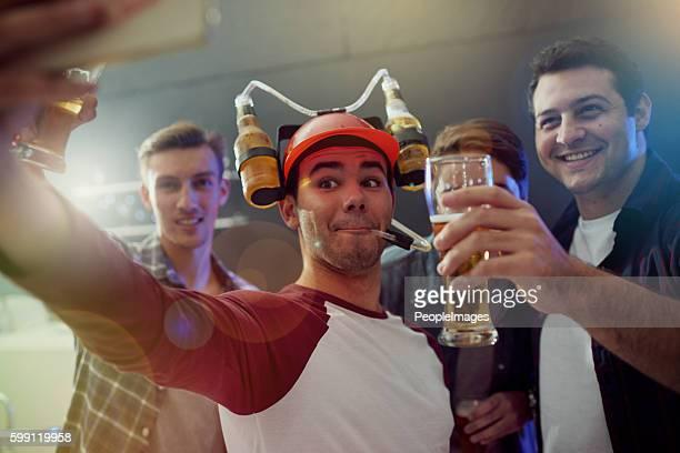 いくつかのパーティーの写真をスナップ - 酔う ストックフォトと画像