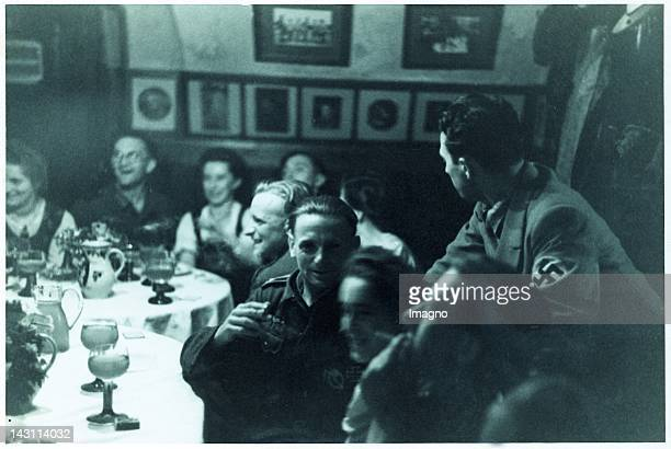 Snapshot. Second World War. Group of Soldiers of the Wehrmacht. Photograph.