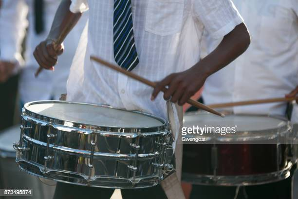 snare drummers - gwengoat stock pictures, royalty-free photos & images
