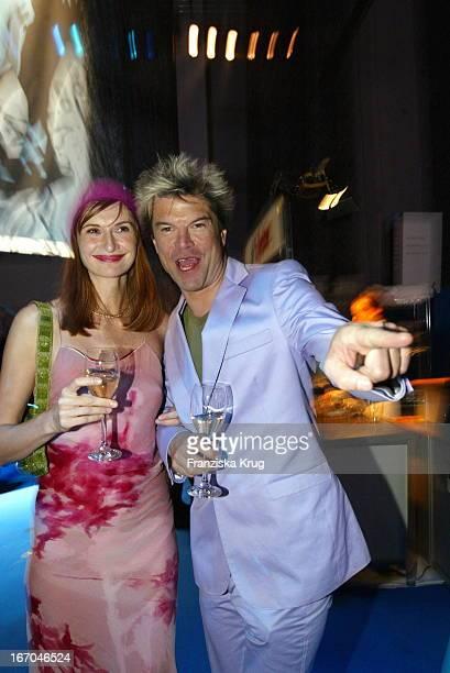 Sänger Campino Von Den Toten Hosen Mit Freundin Karina Krawczyk Bei Der Aftershow Party Der EchoVerleihung 2003