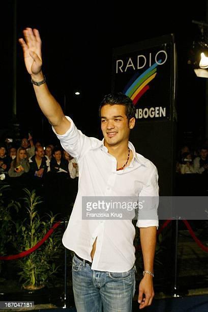 Sänger Daniel Lopes Bei Der Verleihung Des Radio Regenbogen Award 2003 Im Rosengarten In Mannheim
