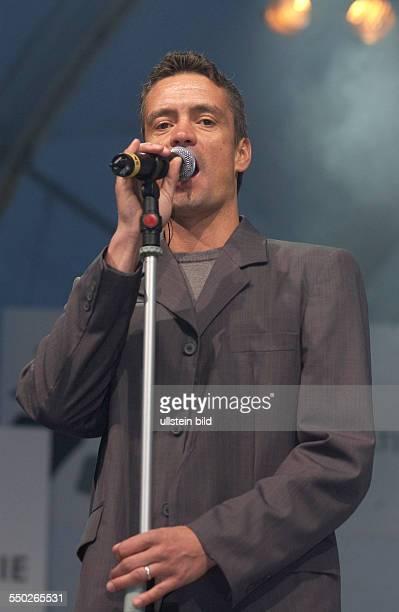 Sänger Jens Sembdner auf dem Tag für Demokratie in Berlin