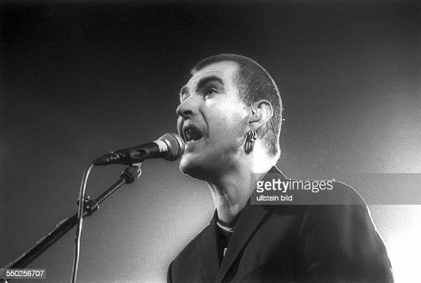Sänger Justin Sullivan anlässlich eines Konzertes in der Berliner Columbiahalle