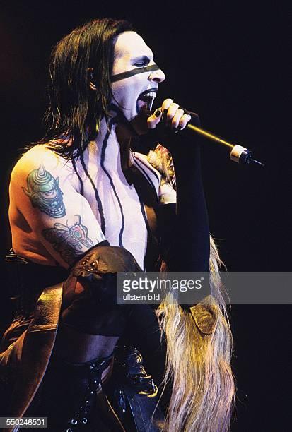 Sänger Marilyn Manson während des Mera Luna Festivals in Hildesheim