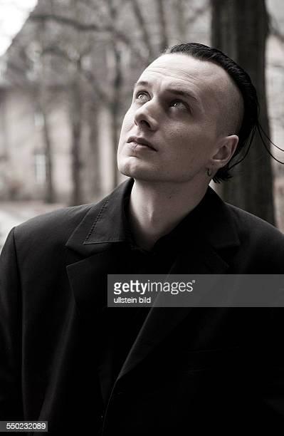 Sänger Sven Friedrich am Rande eines Videodrehs in Berlin
