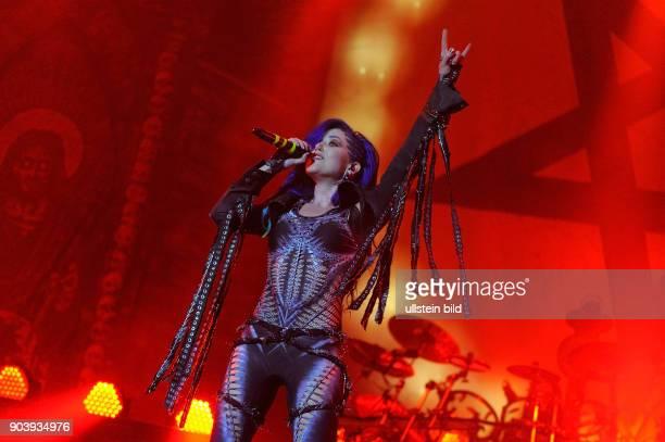 Sängerin Alissa WhiteGluz auf dem 27 WackenOpenAir Festival 2016