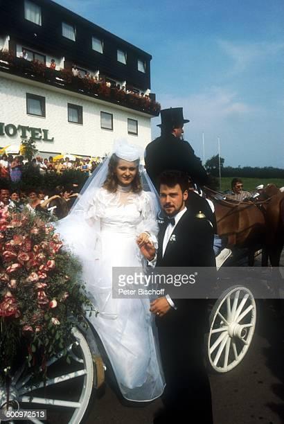 Sängerin Nicole Ehemann Winfried Seibert A C H T U N G Doppeltes AnstrichHonorar Hochzeit Neunkirchen Saarland Braut Braeutigam Trauung Mann...